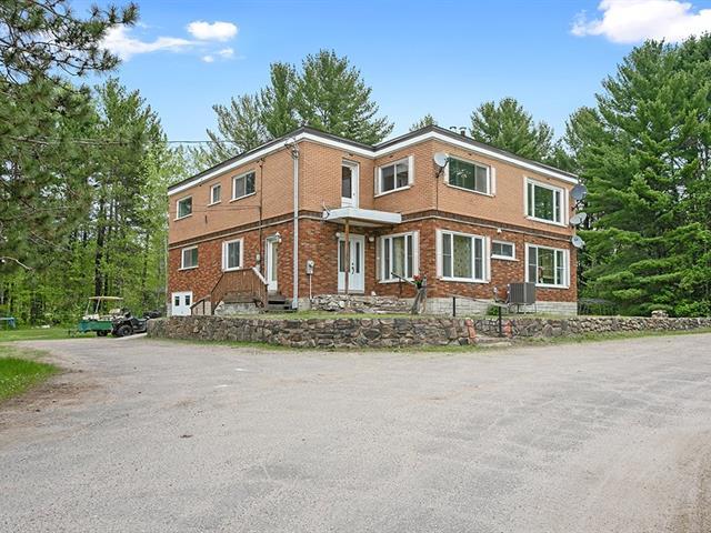 Triplex à vendre à Mansfield-et-Pontefract, Outaouais, 260, Rue  Principale, 15410621 - Centris.ca