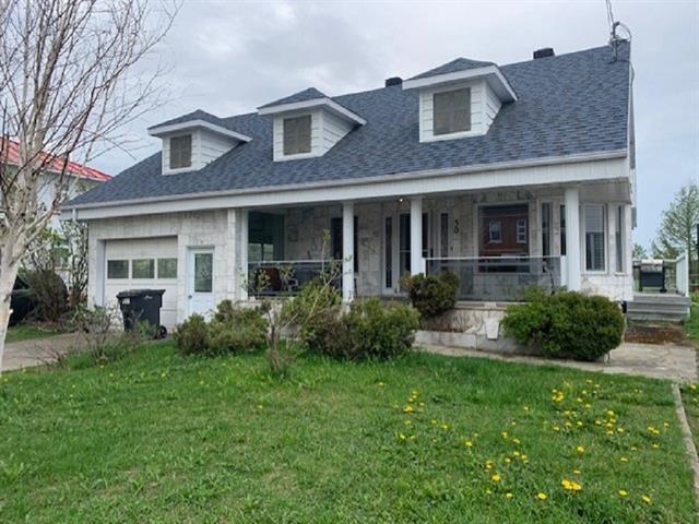 Maison à vendre à Sainte-Françoise (Bas-Saint-Laurent), Bas-Saint-Laurent, 30, Rue  Principale, 26998399 - Centris.ca