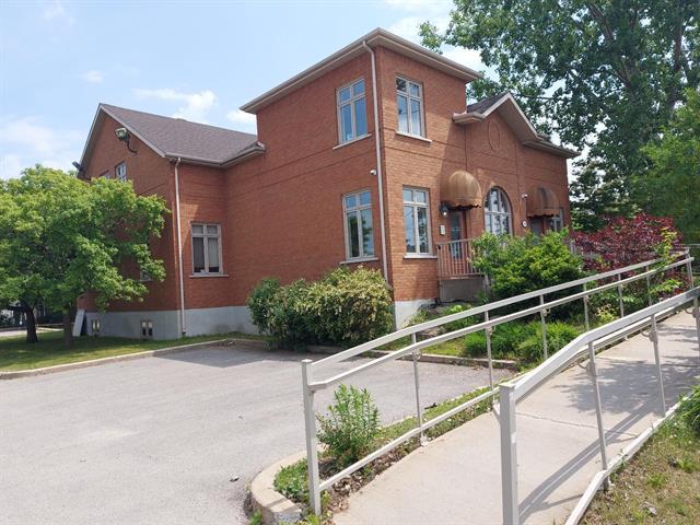 Commercial unit for rent in Laval (Fabreville), Laval, 3498, boulevard  Sainte-Rose, 19546036 - Centris.ca
