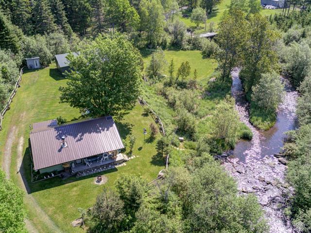 Cottage for sale in Sainte-Aurélie, Chaudière-Appalaches, 20A - 20B, 10e Rang, 11380441 - Centris.ca
