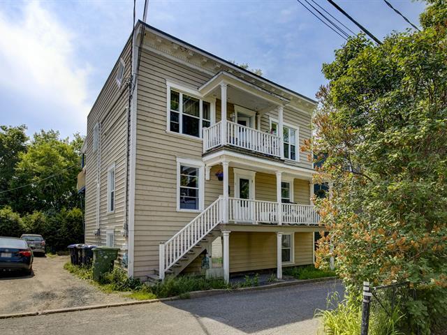 Triplex à vendre à Lévis (Desjardins), Chaudière-Appalaches, 5, Rue  Barras, 25349865 - Centris.ca