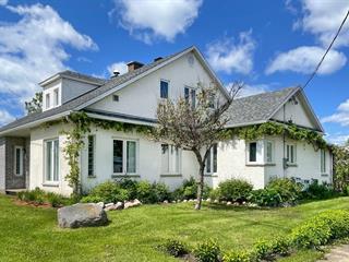 Maison à vendre à Saguenay (Chicoutimi), Saguenay/Lac-Saint-Jean, 2919, boulevard  Saint-Jean-Baptiste, 27370230 - Centris.ca