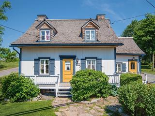 Maison à vendre à Saint-Jean-de-l'Île-d'Orléans, Capitale-Nationale, 4574, Chemin  Royal, 13379392 - Centris.ca