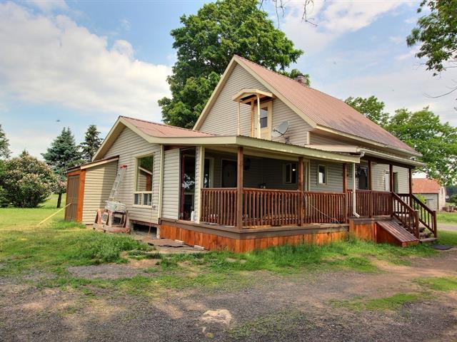 Fermette à vendre à Sainte-Clotilde-de-Horton, Centre-du-Québec, 2953Z, Rang  Double, 11419735 - Centris.ca