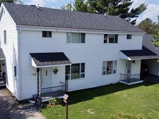 Triplex for sale in Saint-David-de-Falardeau, Saguenay/Lac-Saint-Jean, 168 - 172, Rue  Lamarre, 27153427 - Centris.ca