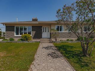 Maison à vendre à Baie-Comeau, Côte-Nord, 960, Rue  Honorat, 22561915 - Centris.ca
