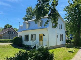 House for sale in Saint-Laurent-de-l'Île-d'Orléans, Capitale-Nationale, 7087, Chemin  Royal, 9956765 - Centris.ca