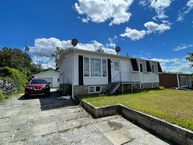 Duplex for sale in Val-d'Or, Abitibi-Témiscamingue, 125 - 127, Rue  Poulin, 24205668 - Centris.ca