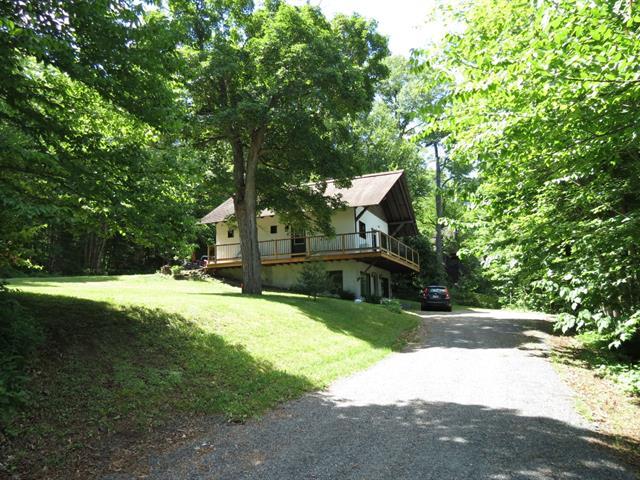 Duplex à vendre à Nominingue, Laurentides, 1559 - 1559A, Chemin du Tour-du-Lac, 15332700 - Centris.ca
