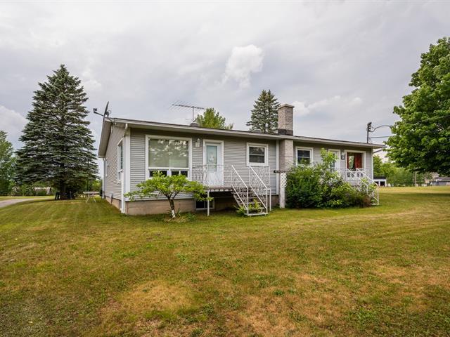 Duplex à vendre à Warden, Montérégie, 91 - 93, Rue  Principale, 10467193 - Centris.ca