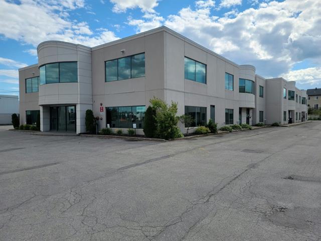Local commercial à louer à Laval (Sainte-Rose), Laval, 4040, boulevard  Le Corbusier, local 200, 23848523 - Centris.ca