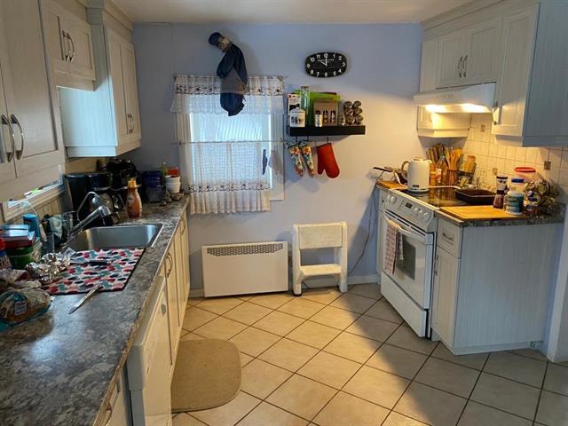 Maison à vendre à Lachute, Laurentides, 672, Rue  Chevrier, 16608151 - Centris.ca
