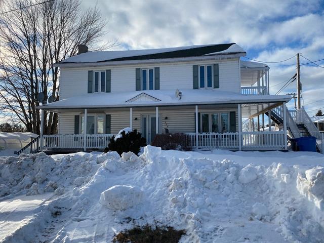 Duplex for sale in Saint-François-de-Sales, Saguenay/Lac-Saint-Jean, 624, Rue  Principale, 12097466 - Centris.ca