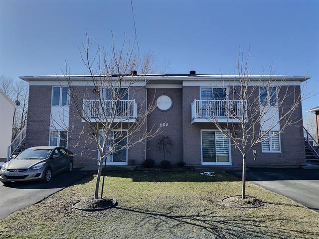 Quadruplex à vendre à Victoriaville, Centre-du-Québec, 480, Rue  De Bigarré, 26170445 - Centris.ca