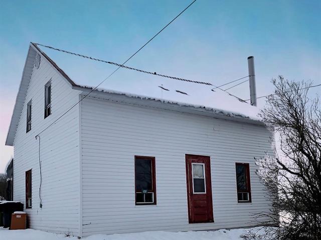 Cottage for sale in Audet, Estrie, 108, Chemin  Vallerand, 10880110 - Centris.ca