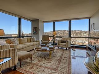 Condo / Apartment for rent in Westmount, Montréal (Island), 2, Rue  Westmount-Square, apt. 1103, 23480254 - Centris.ca