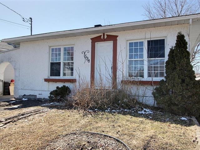 Maison à vendre à Nicolet, Centre-du-Québec, 594, Rue de Monseigneur-Courchesne, 15378801 - Centris.ca