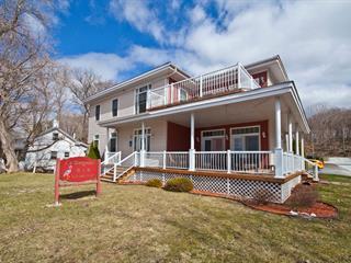 House for sale in Saint-Armand, Montérégie, 250, Avenue  Champlain, 13243269 - Centris.ca