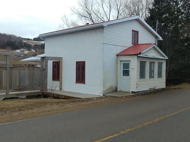 House for rent in La Malbaie, Capitale-Nationale, 311, Chemin de la Vallée, 22825277 - Centris.ca