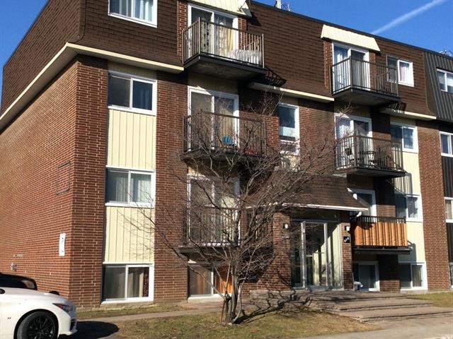 Immeuble à revenus à vendre à Laval (Laval-des-Rapides), Laval, 576, Rue de Royan, 18014181 - Centris.ca