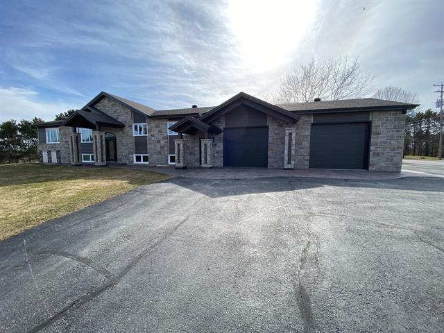 Maison à vendre à Saint-Samuel, Centre-du-Québec, 310, Rue  Sainte-Hélène, 10448253 - Centris.ca
