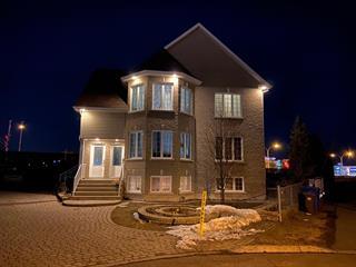 Triplex à vendre à Brossard, Montérégie, 7910 - 7914, Rue  Lemelin, 24244657 - Centris.ca