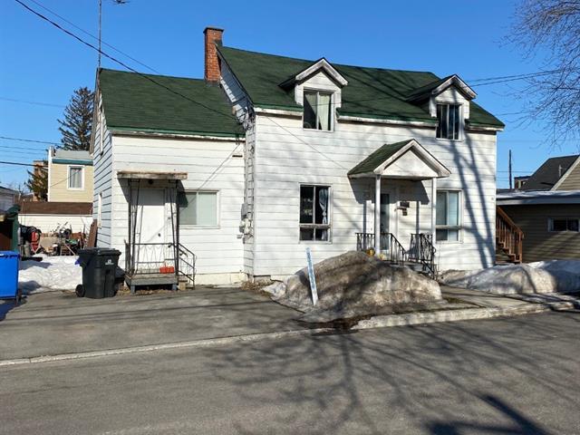 Duplex à vendre à Sainte-Thérèse, Laurentides, 44 - 46, Rue  Saint-Lambert, 24963691 - Centris.ca