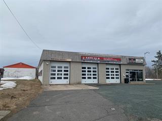 Bâtisse commerciale à vendre à Saint-Wenceslas, Centre-du-Québec, 962 - 970, Rue  Principale, 24280342 - Centris.ca