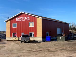 Industrial building for sale in Baie-Comeau, Côte-Nord, 595, Rue  Léonard-E.-Schlemm, 14392140 - Centris.ca