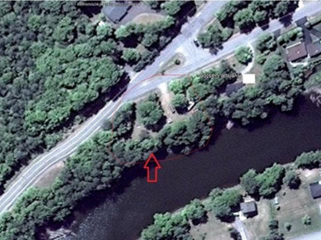 Terrain à vendre à Notre-Dame-des-Prairies, Lanaudière, 49, Avenue  Gaston, 21373687 - Centris.ca