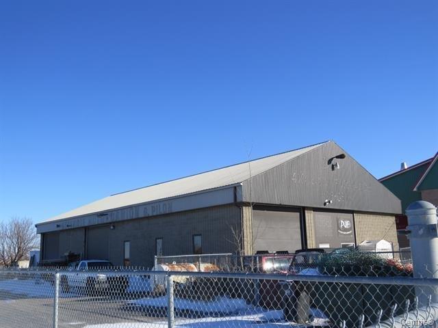 Bâtisse commerciale à louer à Vaudreuil-Dorion, Montérégie, 2628 - 2630, Rang  Saint-Antoine, 26395690 - Centris.ca