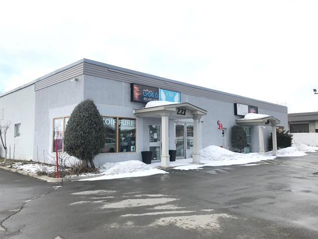 Local commercial à louer à Sainte-Thérèse, Laurentides, 221, boulevard  René-A.-Robert, local A, 28305943 - Centris.ca
