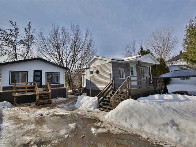 Chalet à vendre à Sainte-Anne-de-Sorel, Montérégie, 120, Chemin de l'Île-d'Embarras, 20889400 - Centris.ca