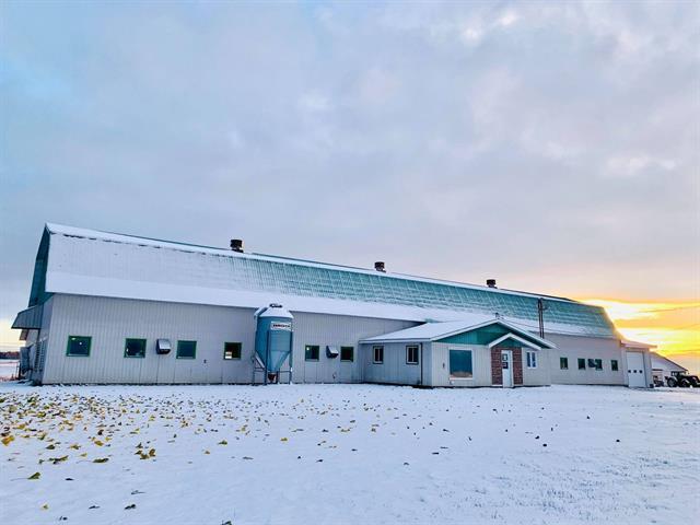 Ferme à vendre à Albanel, Saguenay/Lac-Saint-Jean, 137, 5e Rang, 25971384 - Centris.ca