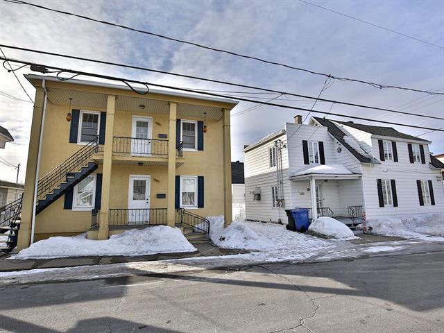 Maison à vendre à Saint-Joseph-de-Sorel, Montérégie, 800, Rue  Montcalm, 20432449 - Centris.ca