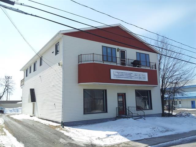 Duplex à vendre à Lorrainville, Abitibi-Témiscamingue, 6, Rue  Notre-Dame Ouest, 14770186 - Centris.ca