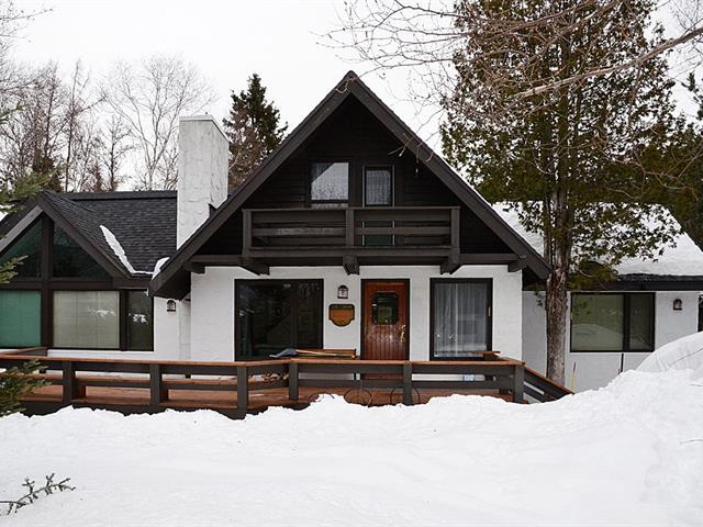Cottage for sale in Saint-Ferréol-les-Neiges, Capitale-Nationale, 78, Rue de l'Île, 14336062 - Centris.ca