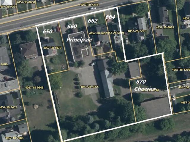 Bâtisse commerciale à vendre à Lachute, Laurentides, 650 - 664, Rue  Principale, 22364886 - Centris.ca