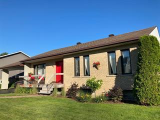 Maison à vendre à Thetford Mines, Chaudière-Appalaches, 866, Rue  Turcotte Est, 11678077 - Centris.ca