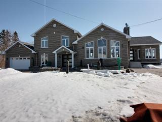 Maison à vendre à Saint-Stanislas (Mauricie), Mauricie, 1035, Rue  Principale, 13000436 - Centris.ca