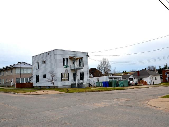Duplex for sale in La Tuque, Mauricie, 517 - 519, Rue  Scott, 25445008 - Centris.ca