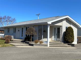 Maison à vendre à Matane, Bas-Saint-Laurent, 320, Rue  Larochelle, 24580290 - Centris.ca