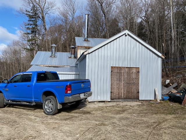 Bâtisse commerciale à vendre à Témiscaming, Abitibi-Témiscamingue, Lac Long, 22358327 - Centris.ca