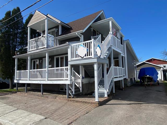 Triplex à vendre à Saguenay (Jonquière), Saguenay/Lac-Saint-Jean, 3642 - 3646, Rue  Joliette, 18133982 - Centris.ca
