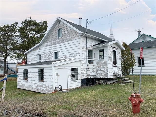 Maison à vendre à Saint-Magloire, Chaudière-Appalaches, 15, Rue  Laverdière, 12375606 - Centris.ca