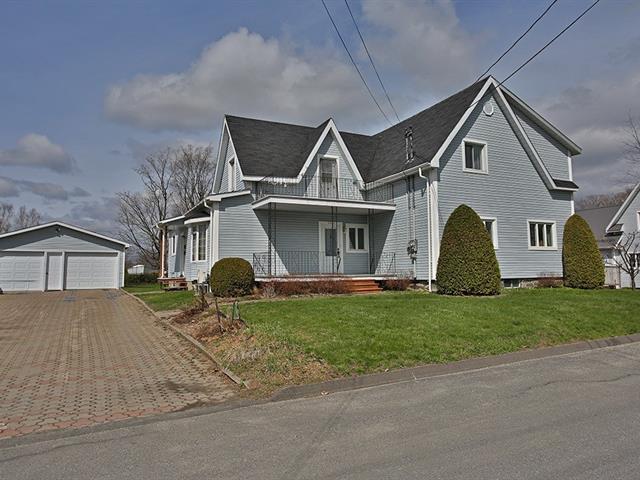 Duplex à vendre à Coaticook, Estrie, 123 - 125, Rue  Victoria, 12487310 - Centris.ca