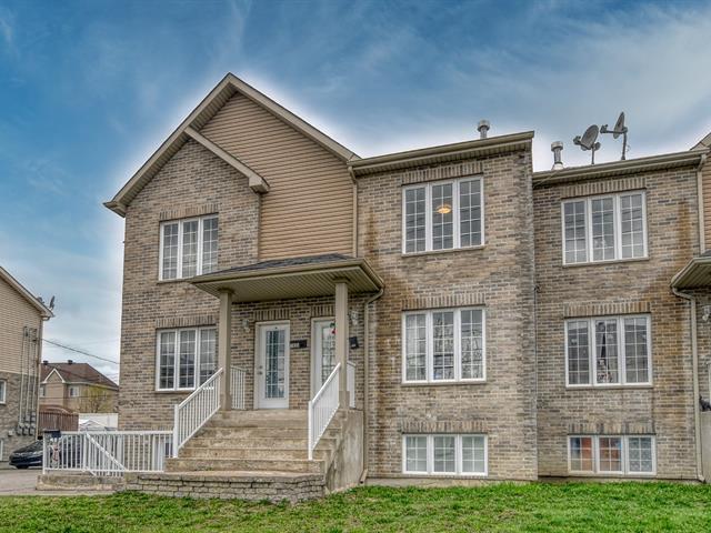 Triplex à vendre à Laval (Duvernay), Laval, 7933 - 7937, boulevard  Lévesque Est, 16662887 - Centris.ca
