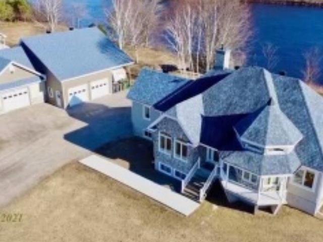 Maison à vendre à Ferme-Neuve, Laurentides, 35, Chemin de la Rive, 24681891 - Centris.ca