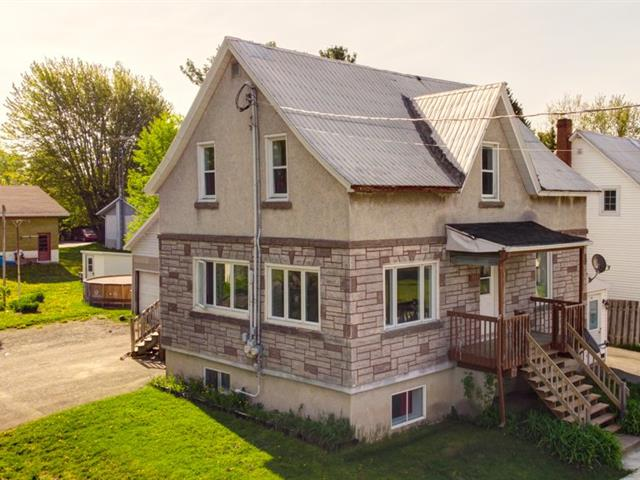 Duplex à vendre à Massueville, Montérégie, 915 - 915A, Rue de Varennes, 25783625 - Centris.ca