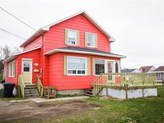 House for sale in Sainte-Anne-des-Monts, Gaspésie/Îles-de-la-Madeleine, 37, 9e Rue Ouest, 10916029 - Centris.ca